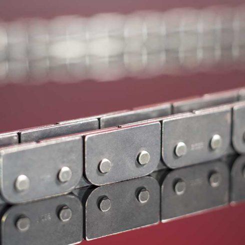 Sedis chaînes adaptées, chaînes à plaques déportées